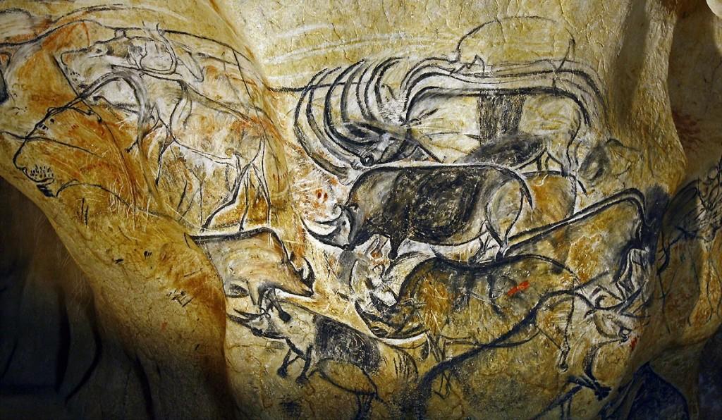 Les-rhinocéros-très-présents-dans-la-fersque-des-lions-de-la-Caverne-du-Pont-dArc-©-SYCPA-Sébastien-Gayet.jpg