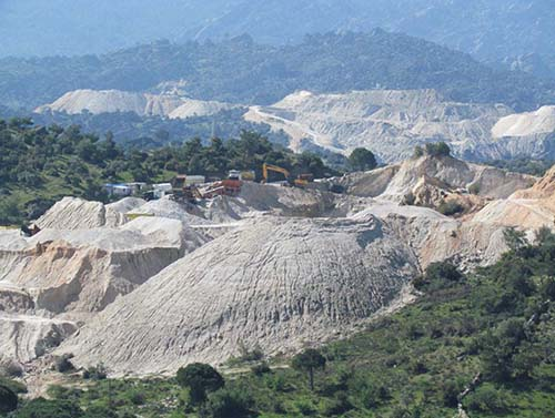 A view of the stone quarries (2013)